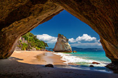 NewZealand037_Cathedral_Cove.jpg, 17kB