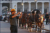 Vienna, Pferdekutsche (Horse-drawn Carriage) at Square Heldenplatz, the Hofburg, Photo Nr.: W2331