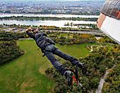 Vienna, Bungee Jumping, Donauturm, Photo Nr.: W4704