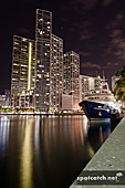 07ag_miami_downtown_yacht.jpg, 15kB