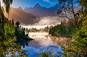 NewZealand101_Lake_Matheson.jpg, 22kB