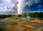 Yellowstone National Park, Castle Geyser, Photo Nr.: y048